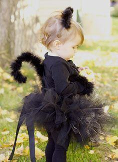 DIY: BLACK CAT COSTUME