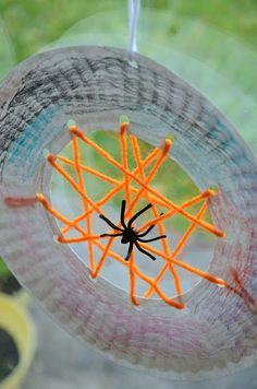 Paper Plate Spiderwebs