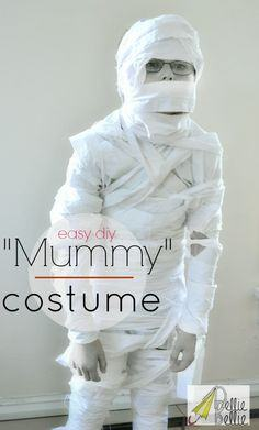 MAKE A HALLOWEEN MUMMY COSTUME