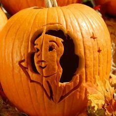 Snow White Pumpkin-Carving